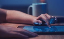 Weekly landlord news digest: Issue 18 | Woman reading news on a tablet.
