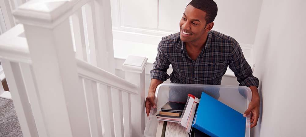 Successful student letting: Everything you need to know | Student moving into their rented accommodation